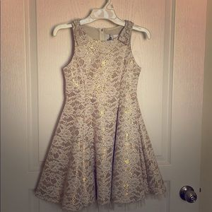 Girls Lace Dress.